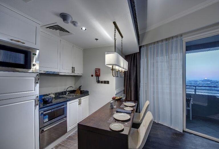Kuchynský kútik v hoteli Dukes Dubai