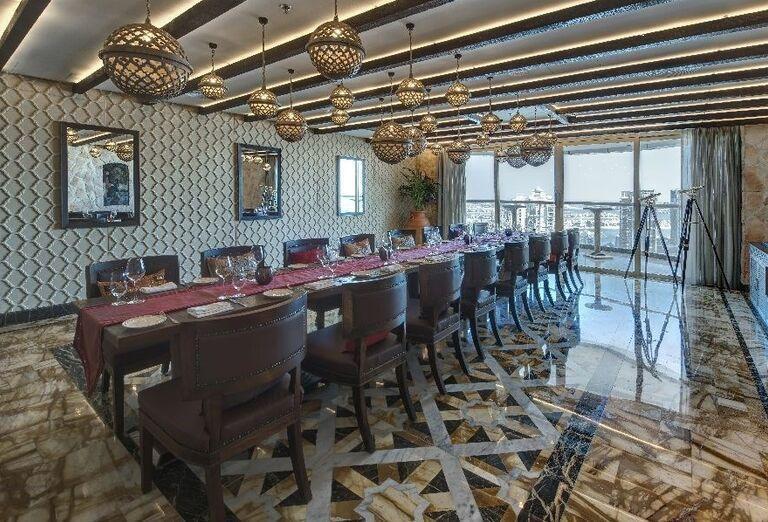 Stolovanie v hoteli Dukes Dubai