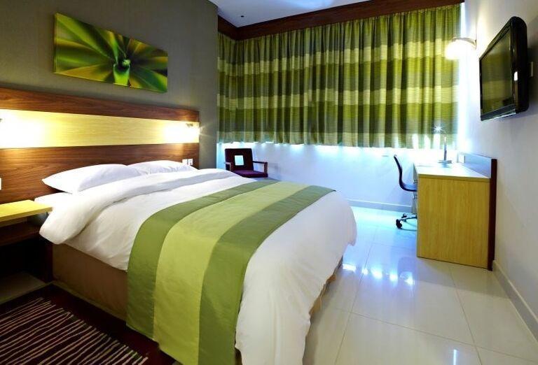 Dvojlôžková izba s manželskou postelou v hoteli Citymax Al Barsha