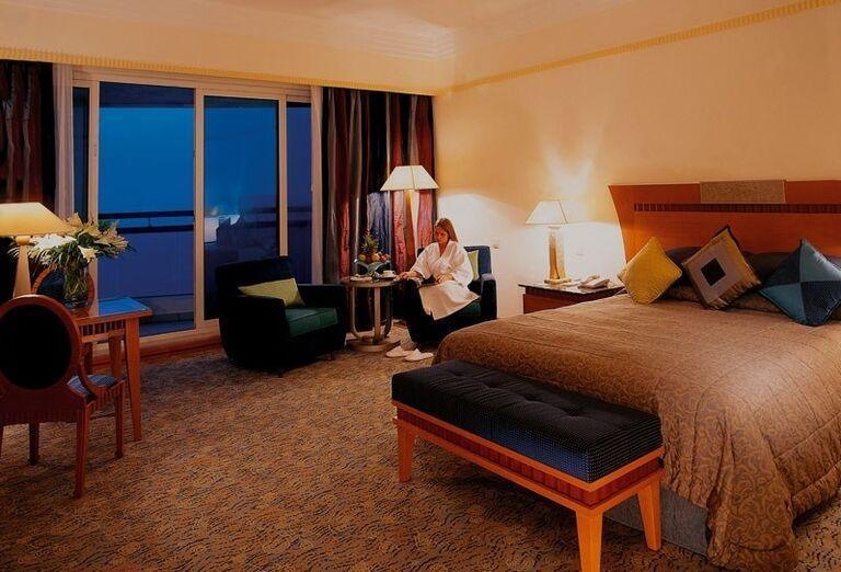 Ubytovanie v hoteli Le Meridien Al Aqah Beach