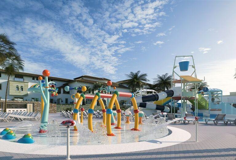 Detské ihrisko v bazéne hotela Creta Maris Beach Resort