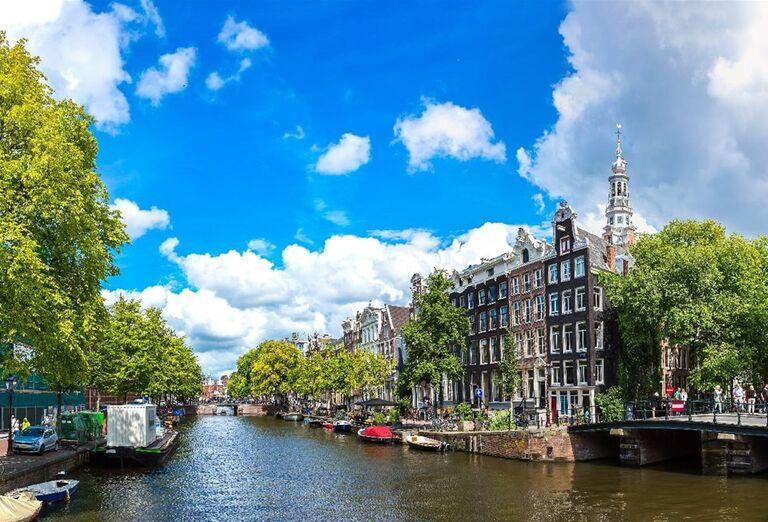 Plavba po amsterdamských grachtoch