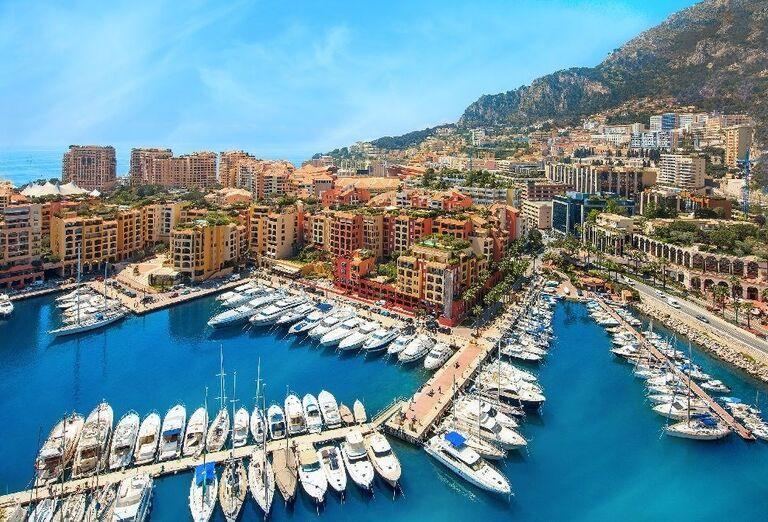 Jachty v prístave Monaka