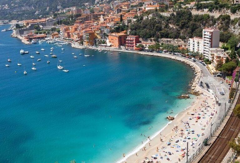 Pláž v Nice