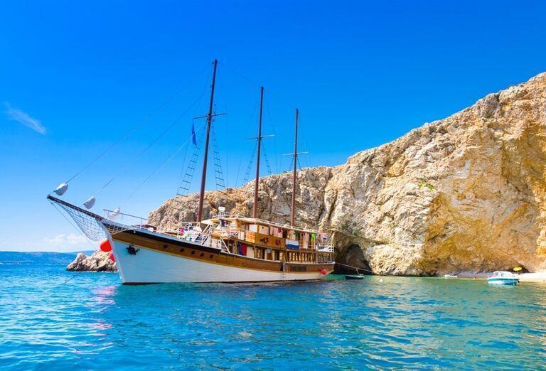 Plavba loďou na ostrovy Hvar a Brač