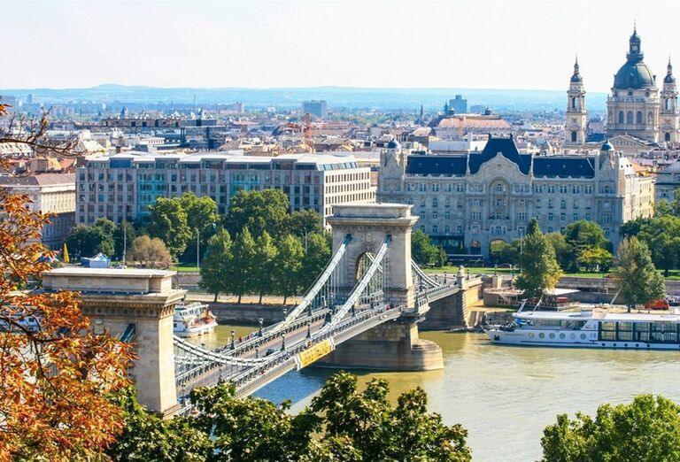 Reťazový most a centrum Budapešti