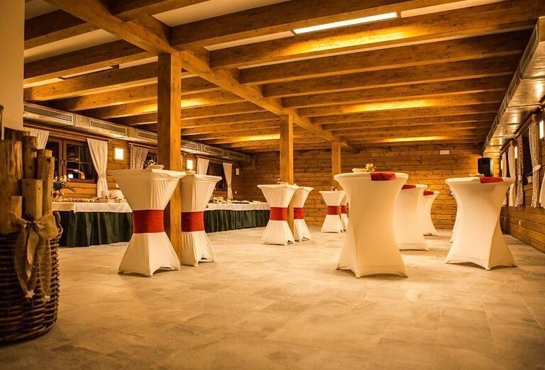 Slávnostné posedenie v Drevenice Resort