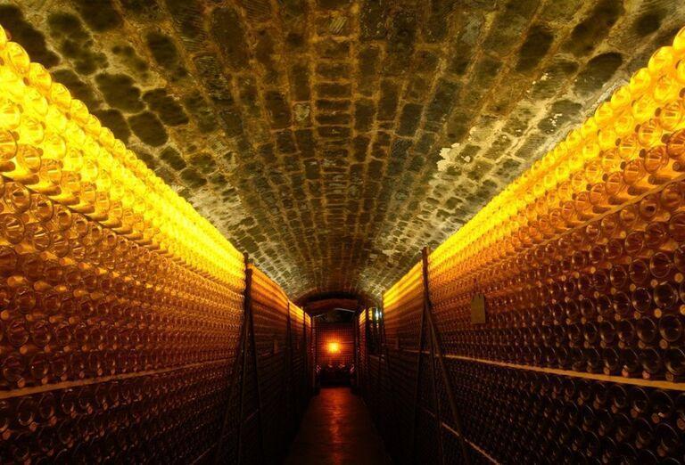 Návšteva vínnej pivnice spojená s ochutnávkou