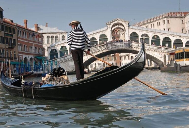 Gondoliér, Benátky, poznávací zájazd, Taliansko