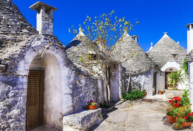 "Domy typu ""trulli"" v meste Alberobello"