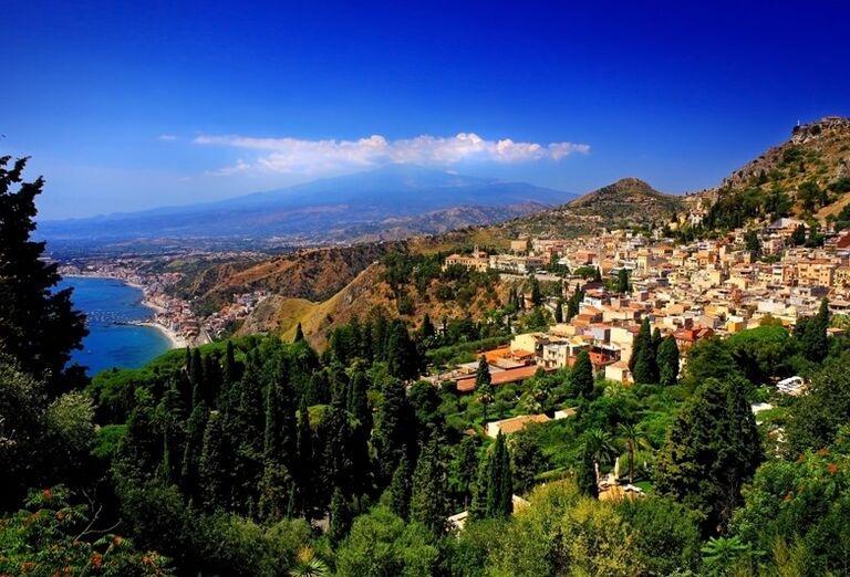 Taormina s výhľadom na Etnu, poznávací zájazd, Taliansko