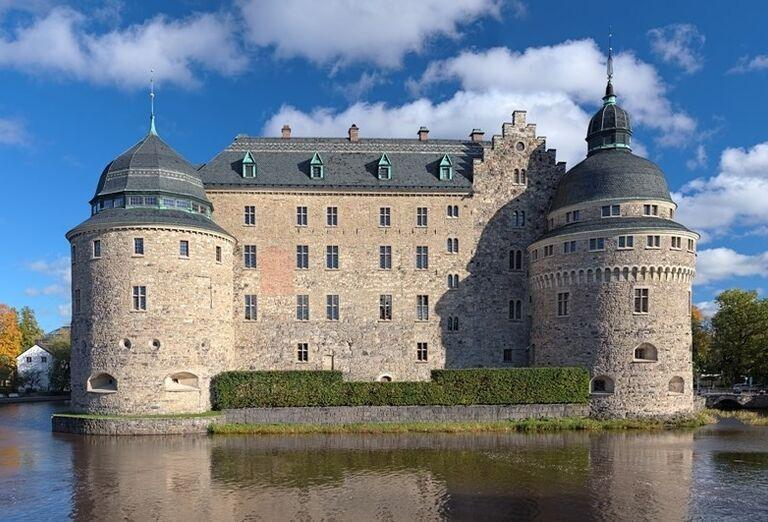 Hrad Örebro vo Švédsku