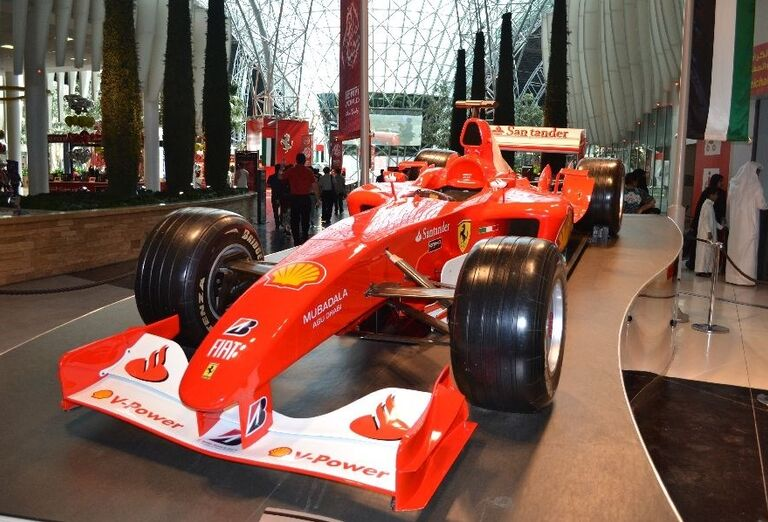 Zábava vo Ferrari World v Abu Dhabi
