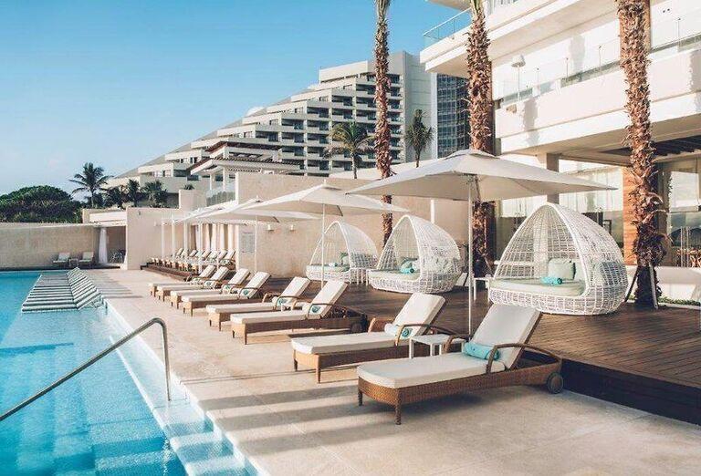 Hotel Coral Level at Iberostar Selection Cancun - bazén
