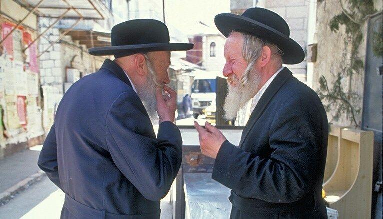 Dvaja muži