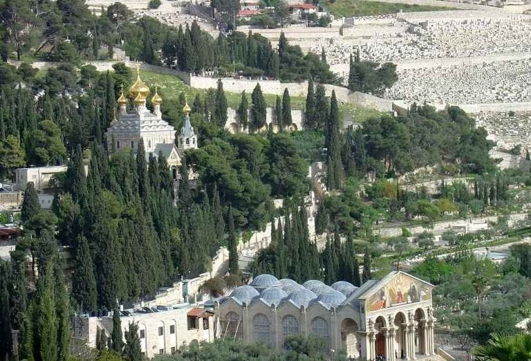 Kostol všetkých národov a Ruský pravoslávny Kostol Márie Magdalény v Getsemanskej záhrade