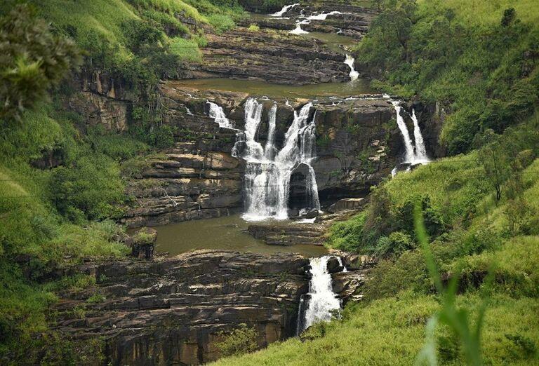 Horská oblasť Nuwara Elyia s vodopádmi