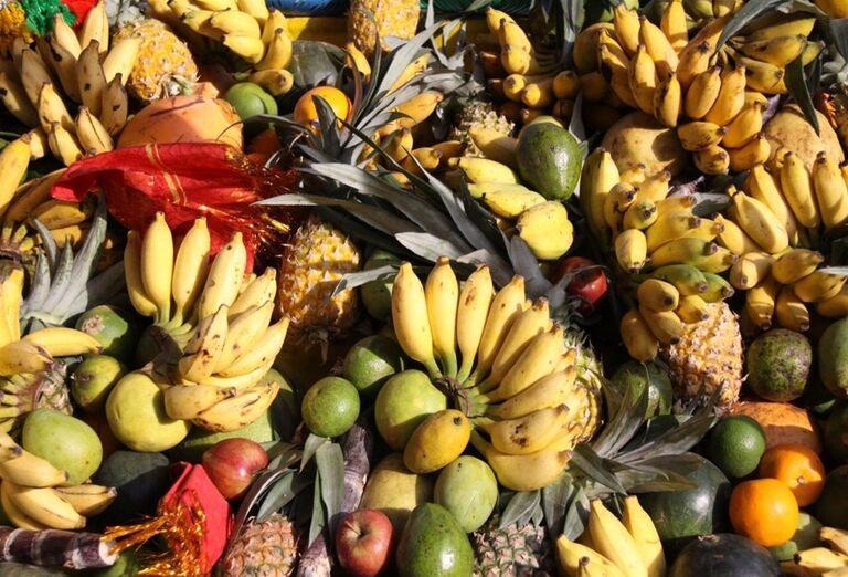 Miestne ovocie v meste Matale