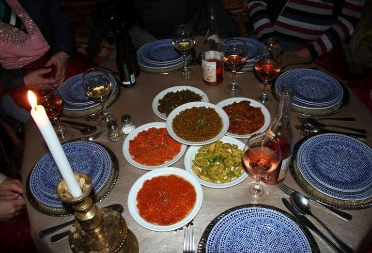 Pripravená večera pre hostí