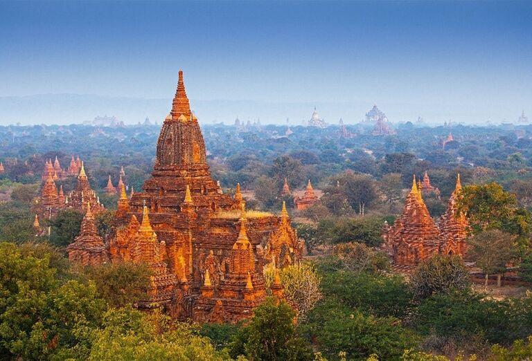 Chrámy v meste Bagan