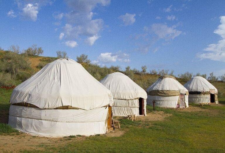 Kazašský jurt v púšti Kyzylkum