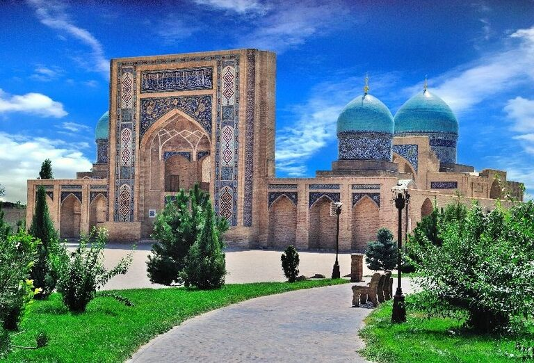 Komplex Khazrat-Imom