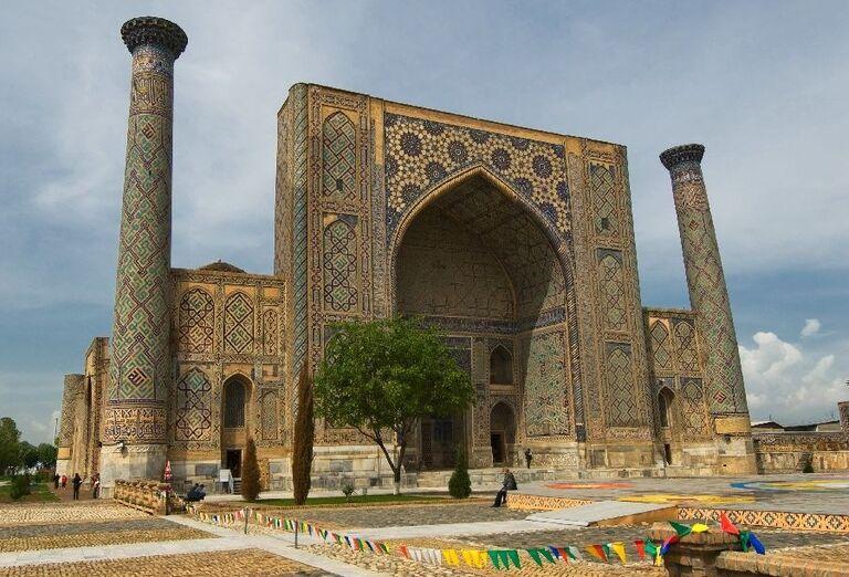 Minaret Registan, Samarkand, Uzbekistan