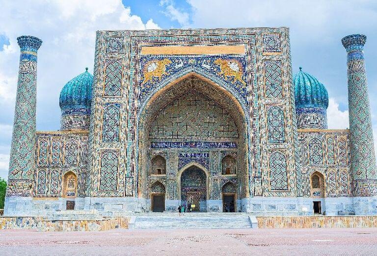 Sher Dor Medressa-Samarkand