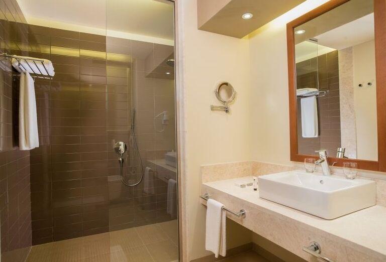 Kúpeľňa v hoteli Fanar hotel and residences