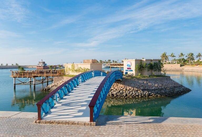 Reštaurácia na mori v hoteli Fanar hotel and residences