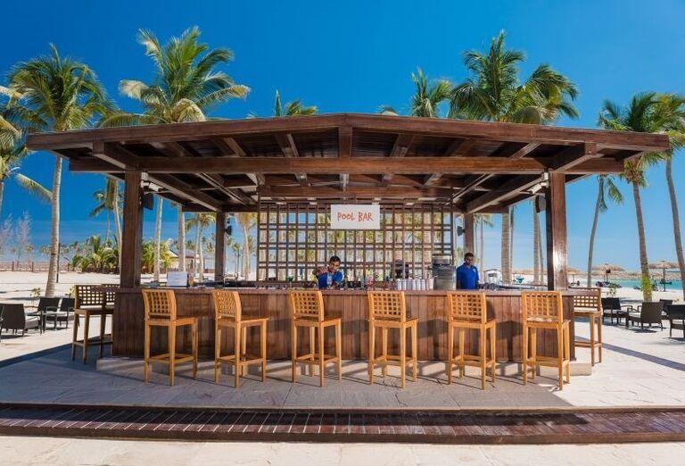 Plážový bar hotela Fanar hotel and residences