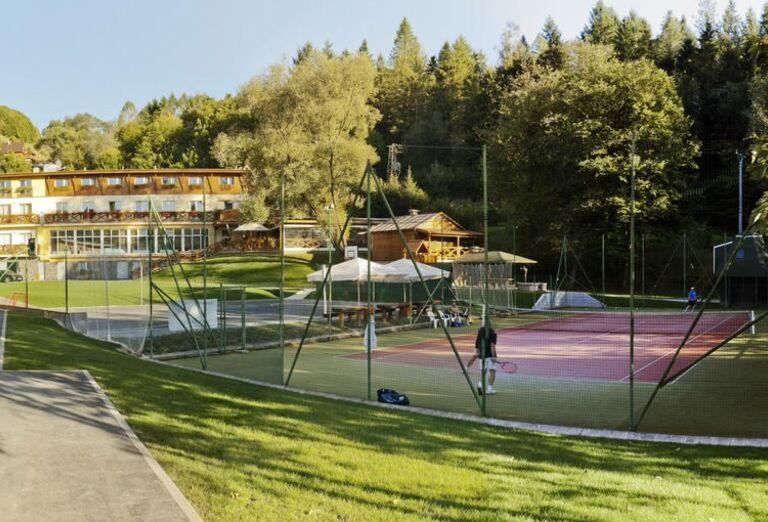 Areál hotela Lesanka