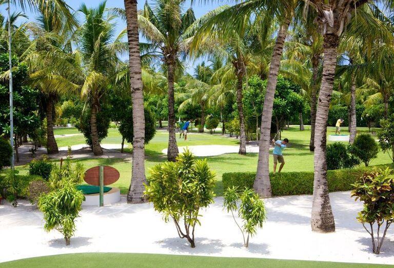 Hotelový Resort Kuredu Island Resort & Spa Maldives - záhrada