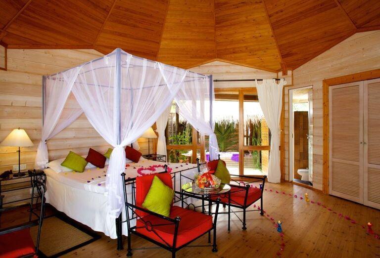Hotelový Resort Kuredu Island Resort & Spa Maldives - Dvojlôžková izba