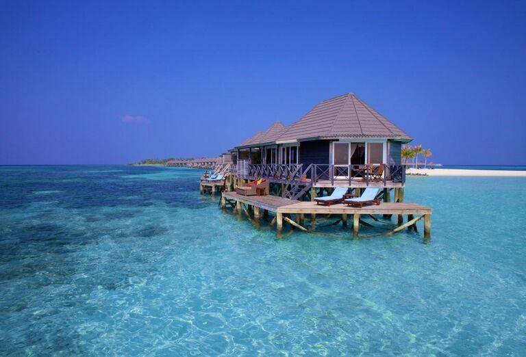 Hotelový Resort Kuredu Island Resort & Spa Maldives - Pohľad na more a chatky