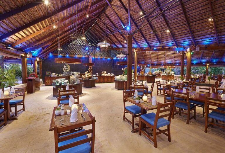 Hotelový Resort Kuredu Island Resort & Spa Maldives - reštaurácia