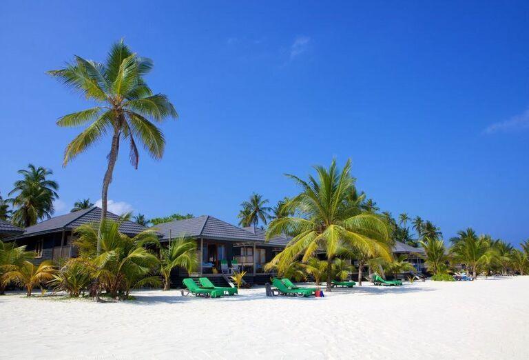 Hotelový Resort Kuredu Island Resort & Spa Maldives - Piesočnatá pláž