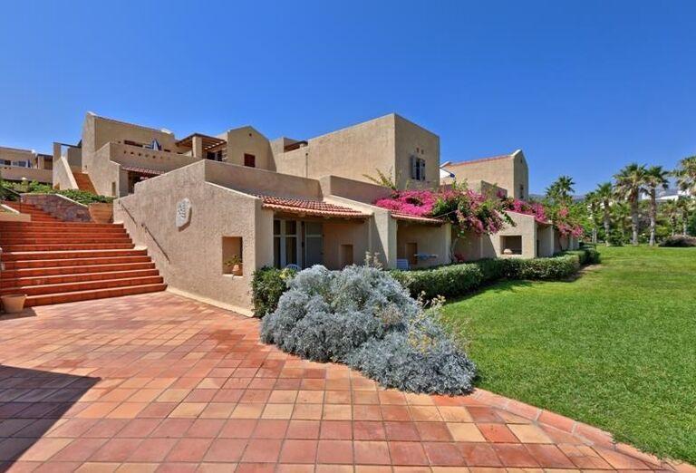 Hotel Club Calimera Sirens Beach and Village so záhradou