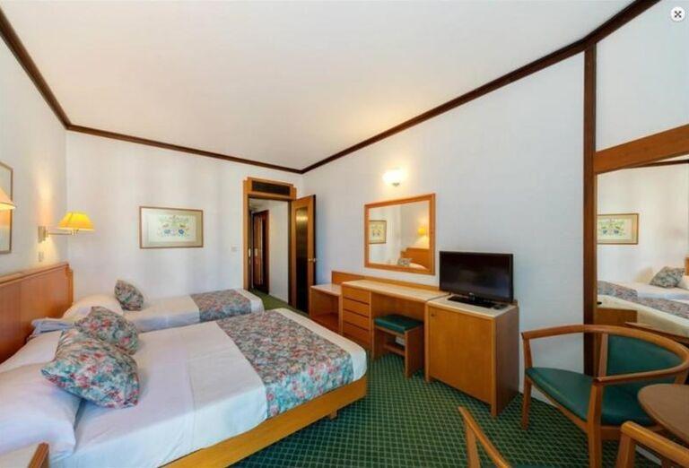 Ubytovanie v hoteli Apollo Beach