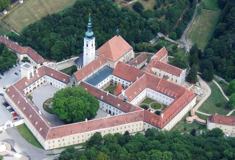 Heiligenkreuz, poznávacie zájazdy, Rakúsko