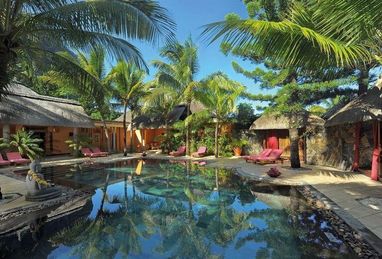 Pohoda a relax pri bazéne