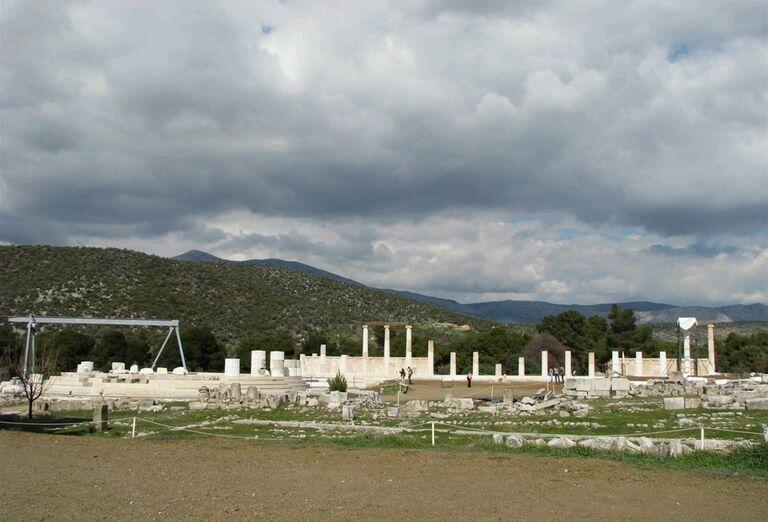 Z ostrova cisárovnej Sissi do antického Grécka - zrúcaniny