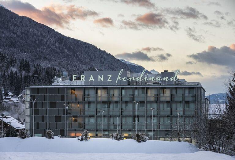 Zasnežený hotel , hotel Franz Ferdinand,  Nassfeld-Tröpolach