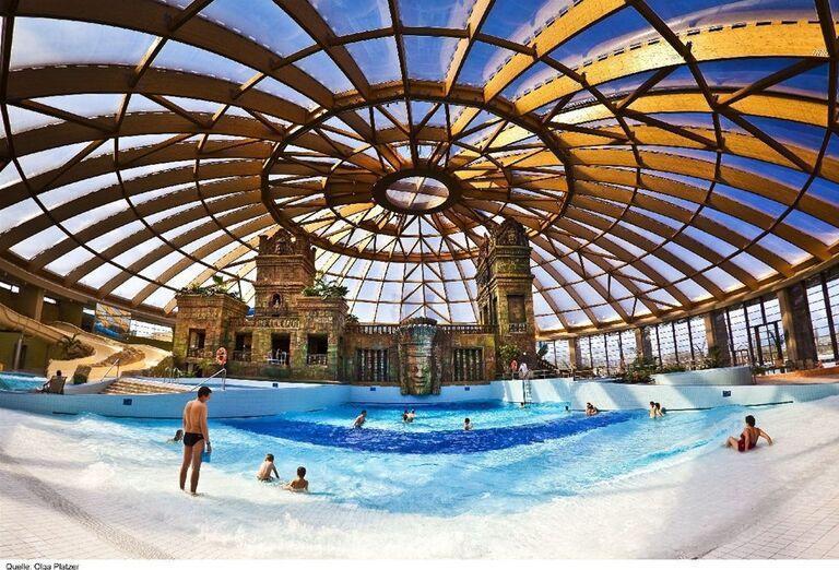 Bazén s vlnami v Aquaworld
