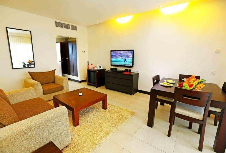 Hotel Citrus Hikkaduwa - Obývacia časť apartmánu