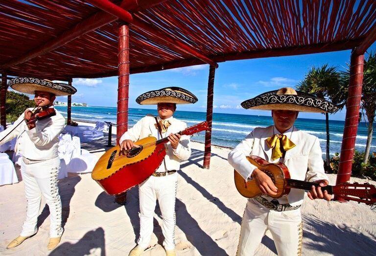 Živá hudba na pláži