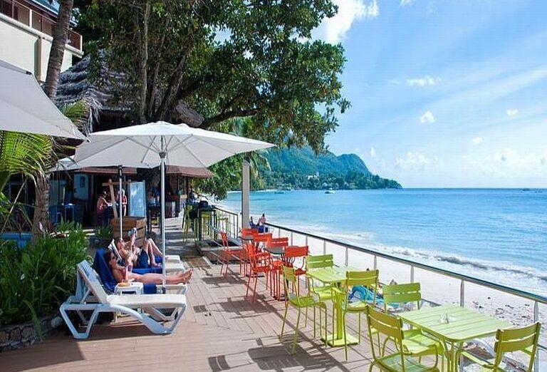 Hotel Coral Strand - Relax na terase s výhľadom na more