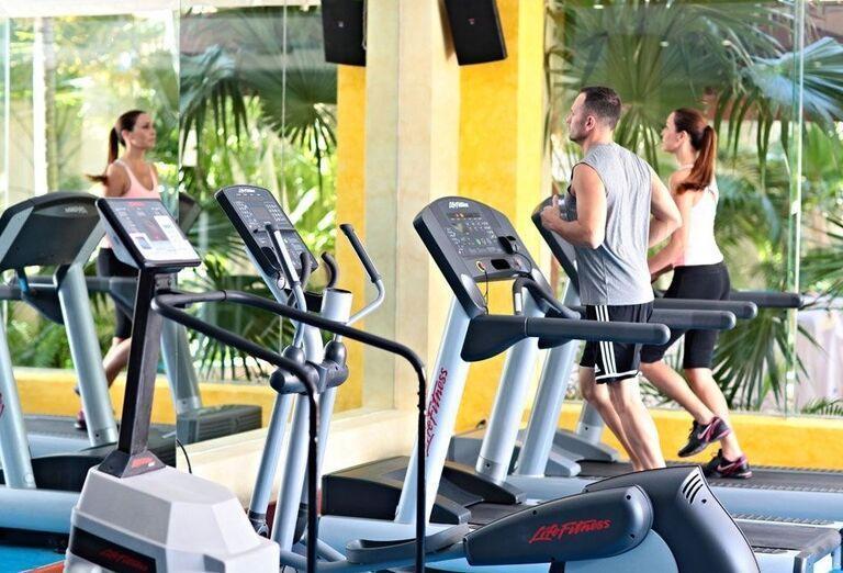 Fitnes centrum hotela Luxury Bahia Principe Akumal