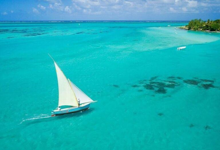 Hotel Preskil Island Resort - loď na mori