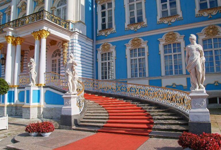 Zámky Petrohradu- pamiatky a architektúra